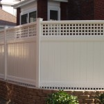 We call this a 5+1: 5' of vinyl privacy with a 1' lattice topper